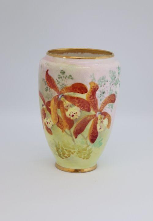 Doulton Dewsberry small vase Image
